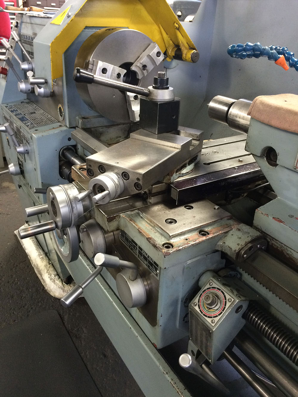 Toolmex Polish Manual Lathe Outfitted with Aluminum Soft Jaws
